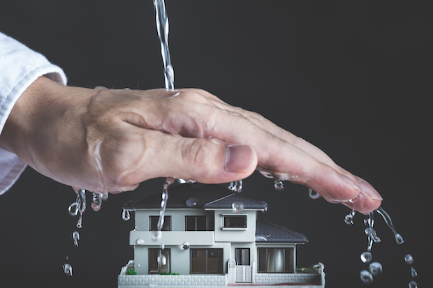 雨から家を防ぐ